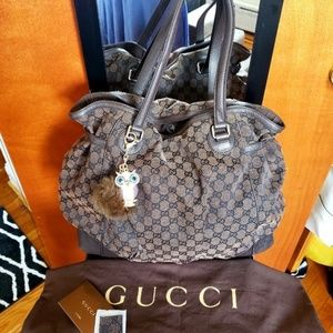 AUTHENTIC GUCCI LARGE SIGNATURE HOBO BAG